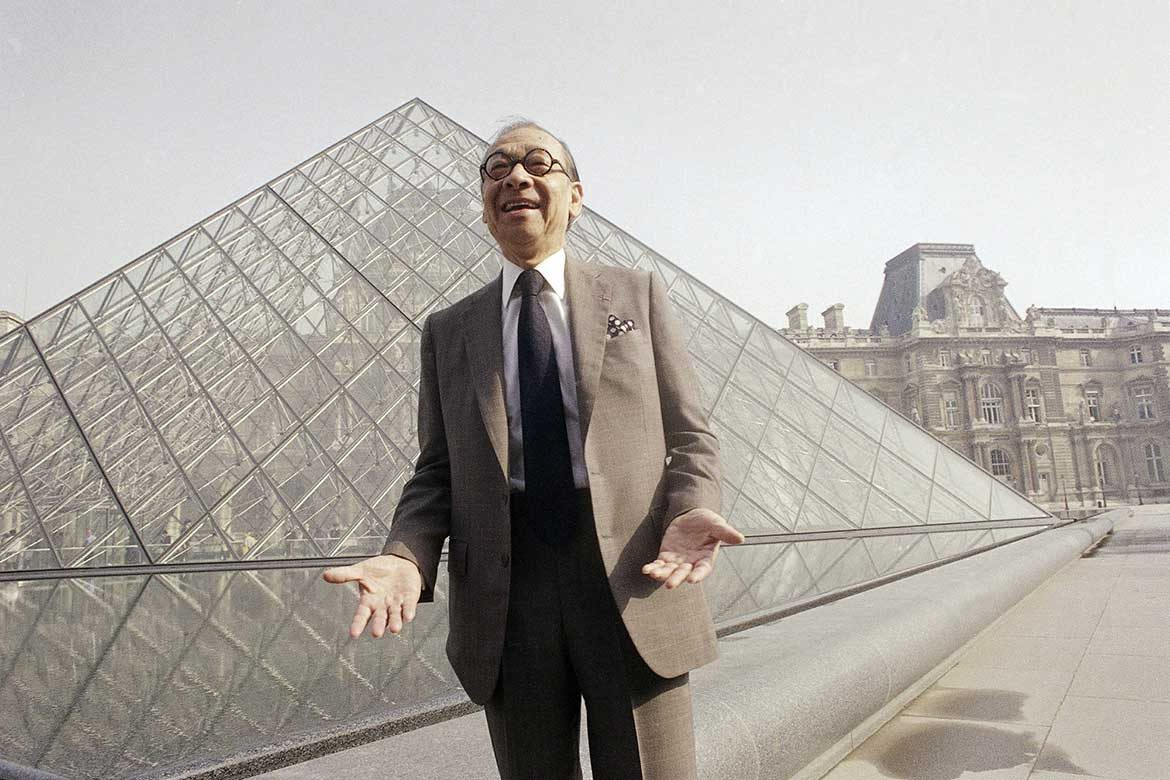 Ieoh Ming Pei Posing for a portrait in front of the Louvre Pyramid in 29 March 1989