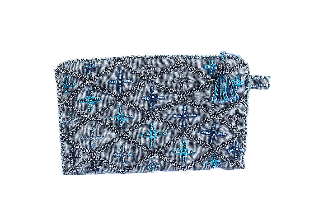 Embroidered Purse made by bedouin women  in Southern Sinai - Photo courtesy: Gebraa
