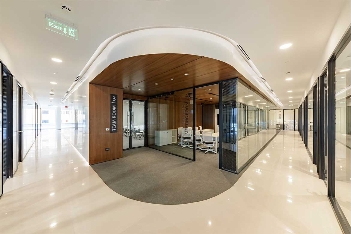 Curved and sculptural shape in interior in Edge Innovation Center