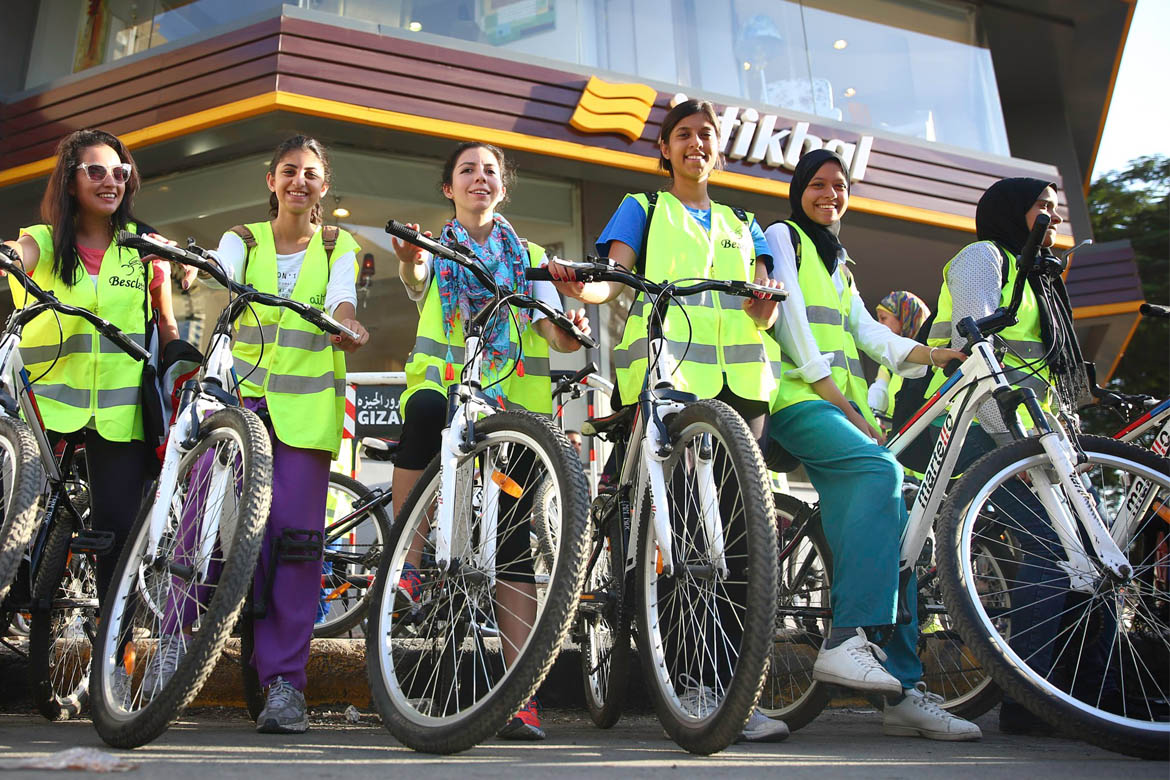 Cairo Cycling Gecko female riders family Linesmag