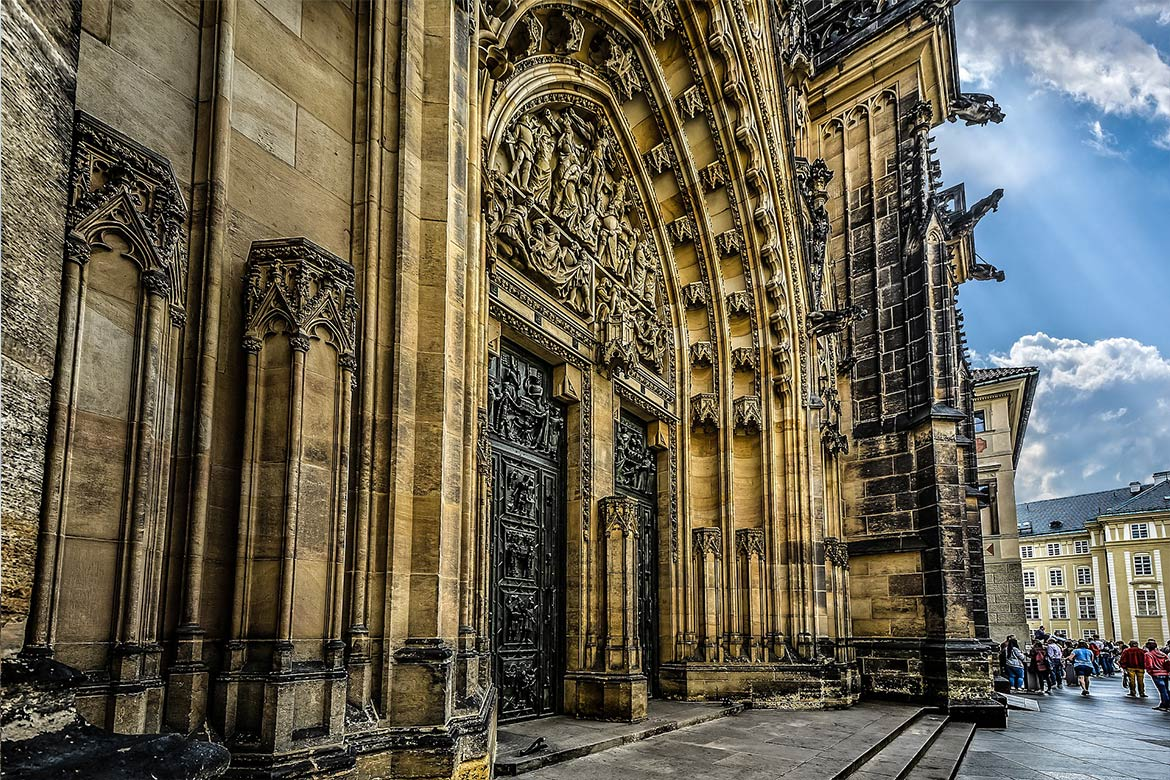 St. Vitus Cathedral Linesmag